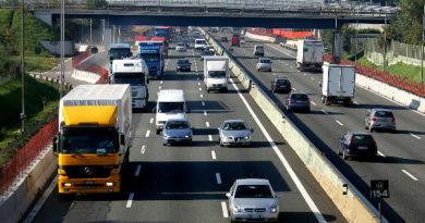 Camion contro new jersey, autostrada chiusa tra Latisana e Portogruaro
