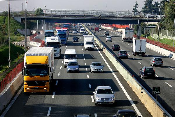 """Atteso nel 2022 nuovo record di transiti """"pesanti"""" sull'autostrada A4"""