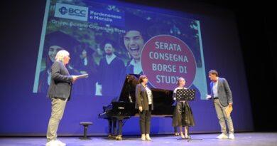 Bcc Pn e Monsile consegna 175 borse di studio a studenti meritevoli territorio